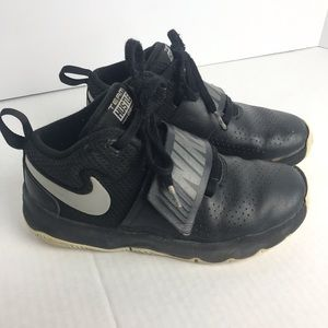 Nike Youth Black Mid Top Basketball Shoes Sz 1Y